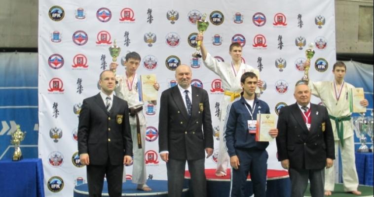 Сразу два представителя Магнитогорска стали серебряными призёрами первенств России по каратэ киокусинкай