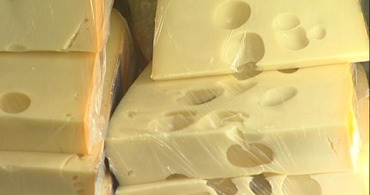 Сыр и творог. Больше всего подорожали импортные продукты