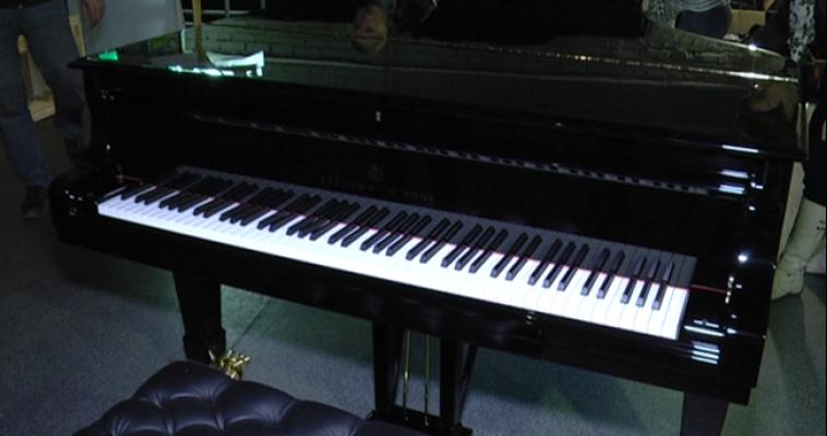 В Магнитогорске презентуют новый рояль, цена которого почти 10 миллионов рублей