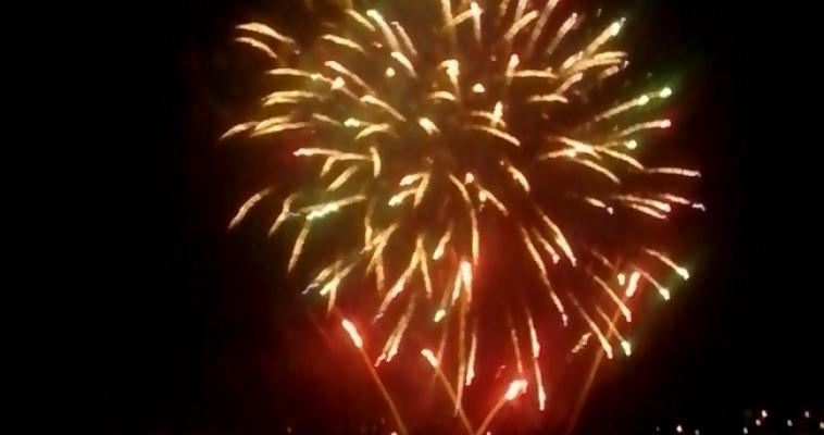 Моряки-североморцы поздравили город с днем рождения