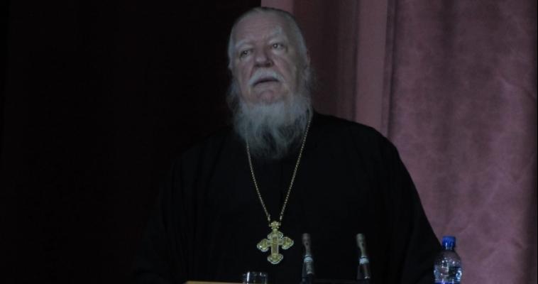 Почему не курит уссурийский тигр? Московский священник рассказал магнитогорцам о будущем России