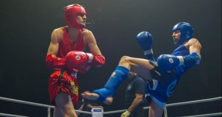 Болели за всю Челябинскую область. Накануне в городе прошел финал Чемпионата России по тайскому боксу