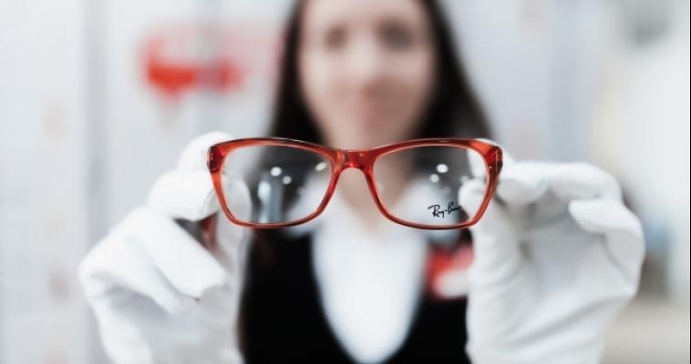 Как выбрать новые очки и сэкономить? Рецепт от компании «Оптик-Центр»