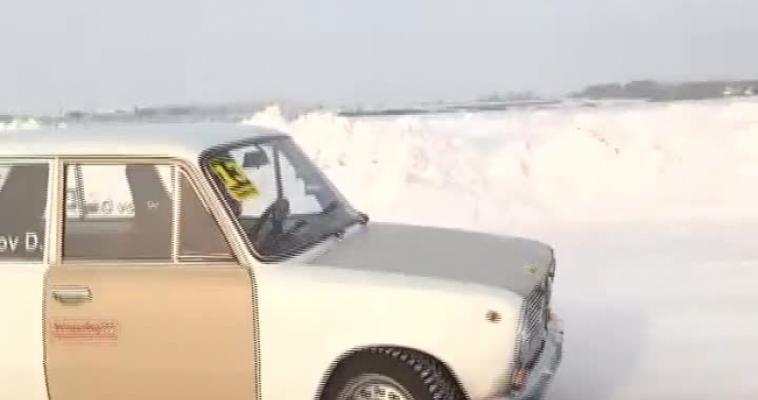 Зимний дрифт: прокатились боком