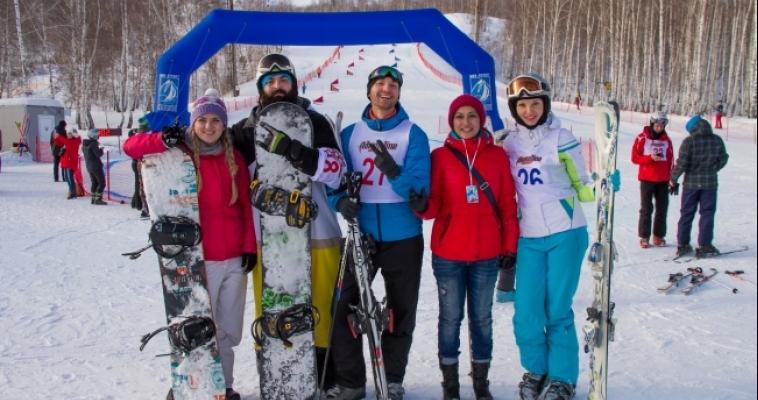Журналисты встали на лыжи и освоили картинг