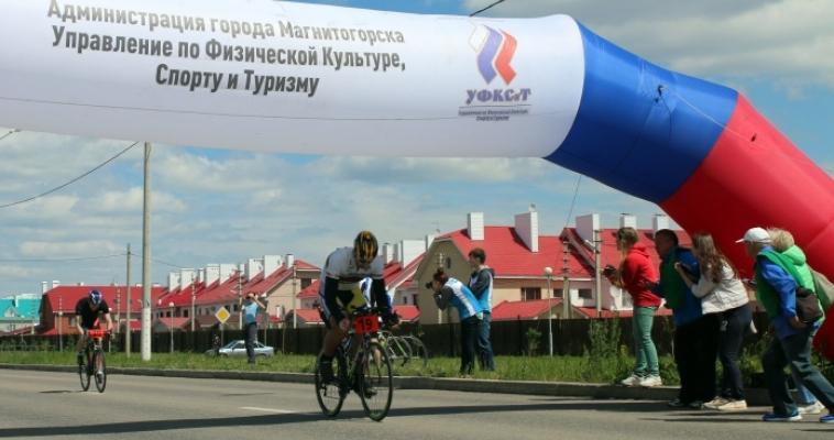 Велоспортсмены вновь промчались вдоль «Александровского сада»