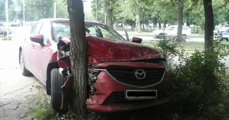 Приступ у водителя спровоцировал ДТП. На одной из улиц города произошла серьезная авария