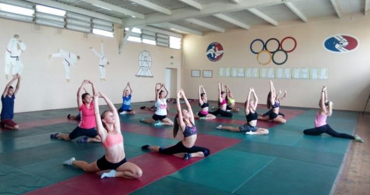 Боевой настрой, форма и хорошее настроение! Юных горожан приглашают на бесплатные занятия по легкой атлетике