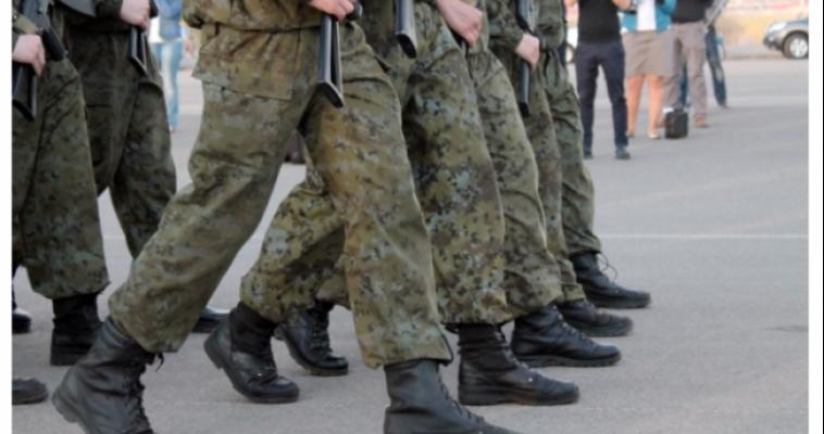 Контракт или срочная служба, ВДВ или Президентский полк? На этой неделе в России стартует осенний набор в армию