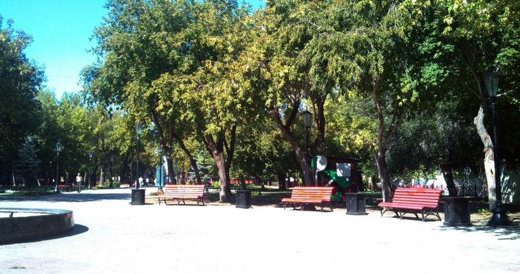 И скамейки с площадками установили, и деньги сэкономили. Куда «пустят» нерастраченные средства?