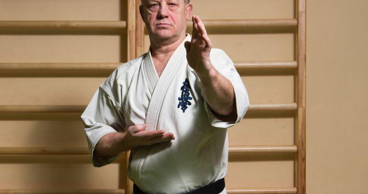 Учиться, чтобы учить. Тренер по каратэ киокусинкай Владимир Симаков празднует юбилей