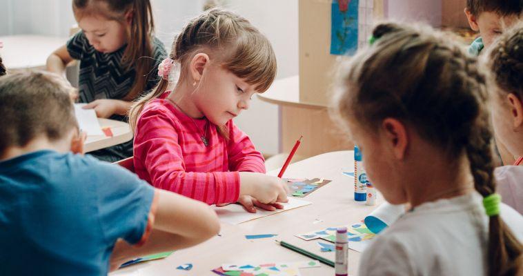 Управление образования: 9,5 тысяч детей ждут приёма в детский сад