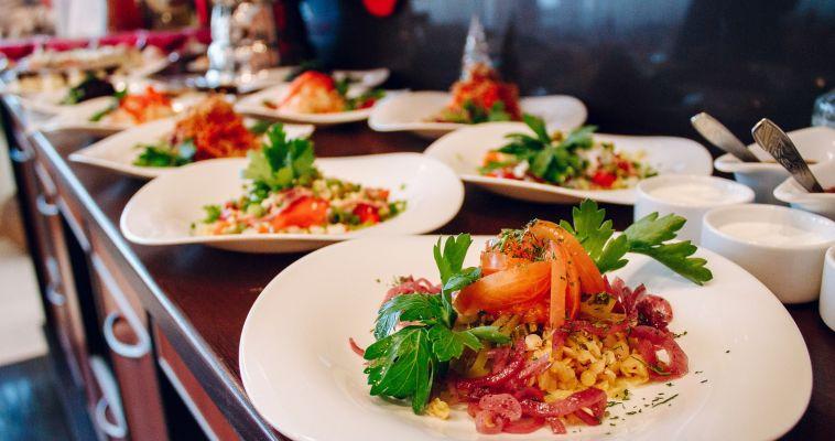 Южноуральцы не экономят на ресторанах и кафе