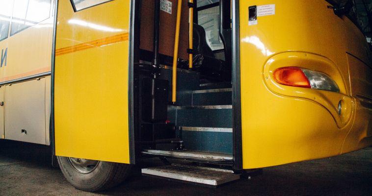 Водитель автобуса отказался везти детей