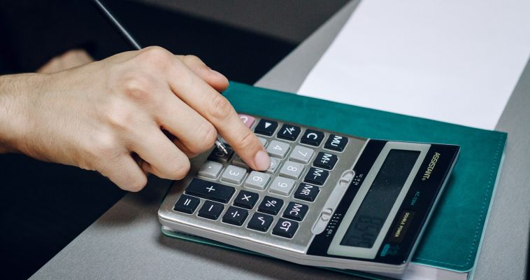 Специалисты налоговой ответят на вопросы по телефону