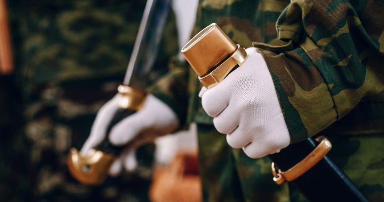 В армию отправили первых призывников