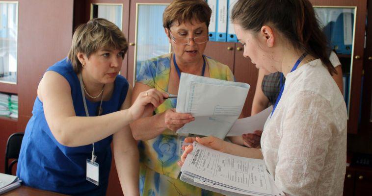 Рособрнадзор спросил школьников о ЕГЭ. Выпускники похвалили систему