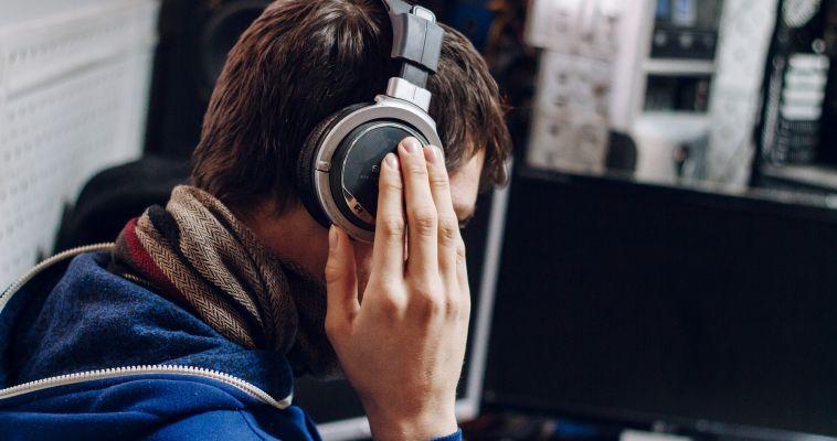 Веселая музыка делает мышление более творческим