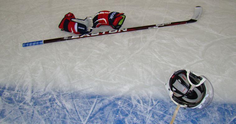 У хоккеистов-любителей продолжается сезон