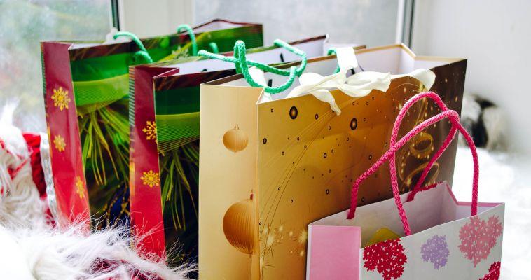 Дарить или не дарить? Топ-5 бесполезных подарков на Новый год