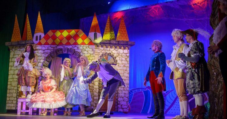 Встречайте - «Муркиз де ля кот»! На сцене оперы - яркая новогодняя сказка