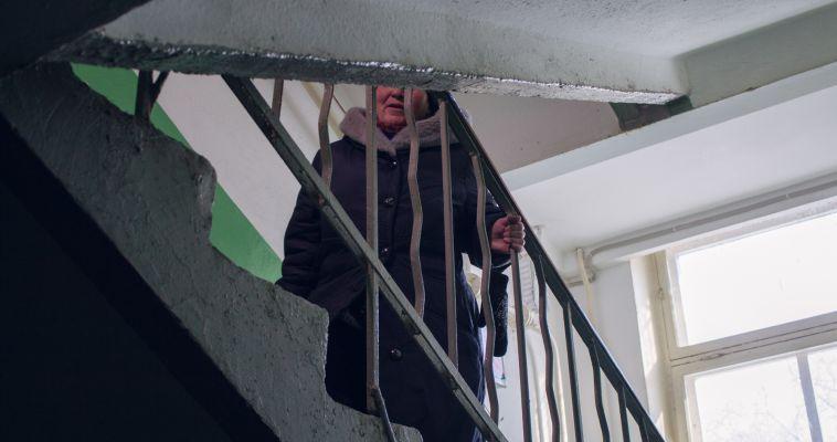 Жители дома в новых районах не могут дождаться запуска лифтов
