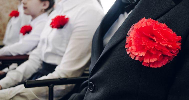 Юные полицейские отчитались на концерте ко Дню Победы