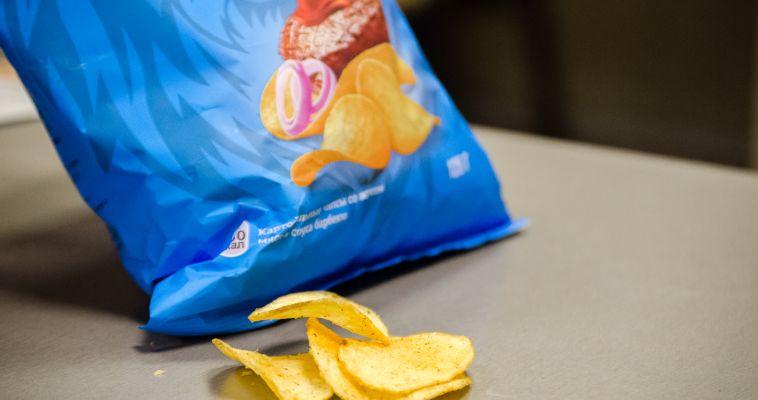 Акцизы на чипсы и газировку вновь обсудят в Госдуме