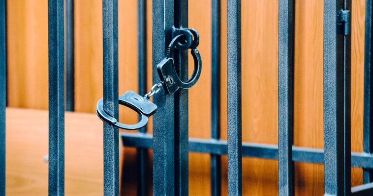 Двум преступникам из Магнитогорска продлили тюремную жизнь