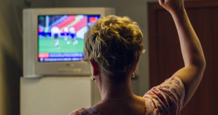 Страну охватила футбольная лихорадка