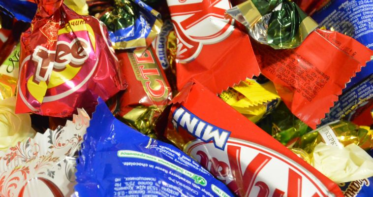 Медики посоветовали есть шоколад и пить какао от давления