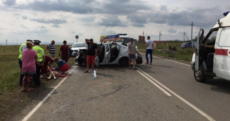 Пассажирка такси взыскала 600 тысяч рублей за страшную аварию
