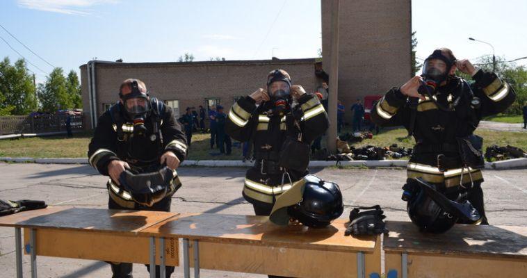 Спасли человека и потушили огонь. Пожарных проэкзаменовало строгое жюри