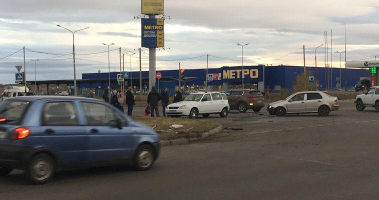 На Тевосяна столкнулись три машины