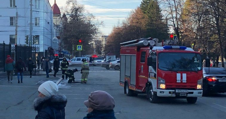 Из здания правительства Челябинской области эвакуировали людей