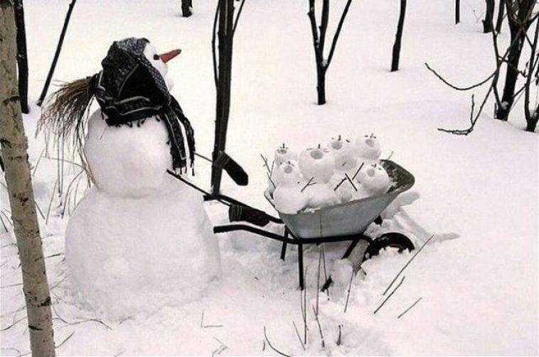 В Магнитогорске поселилась семья снеговиков