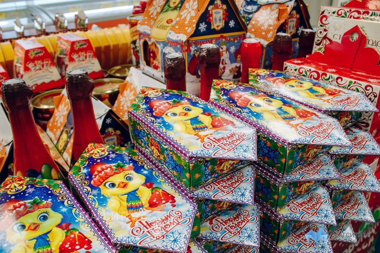 В Роспотребнадзоре посоветовали, как выбрать новогодние кульки