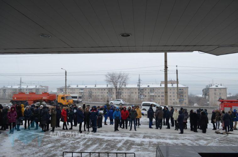 Из здания энергетической компании эвакуировали более ста человек