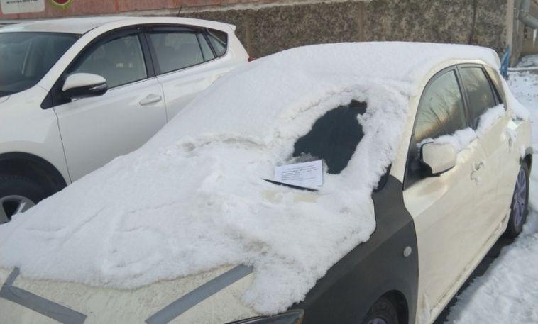 Магнитогорец получил угрозу от соседей из-за припаркованной машины