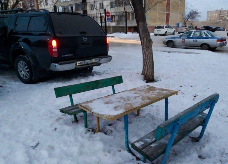 Автолюбители заплатят шесть тысяч за парковку на детской площадке