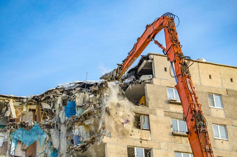 В Магнитогорске началась активная фаза демонтажа поврежденных подъездов