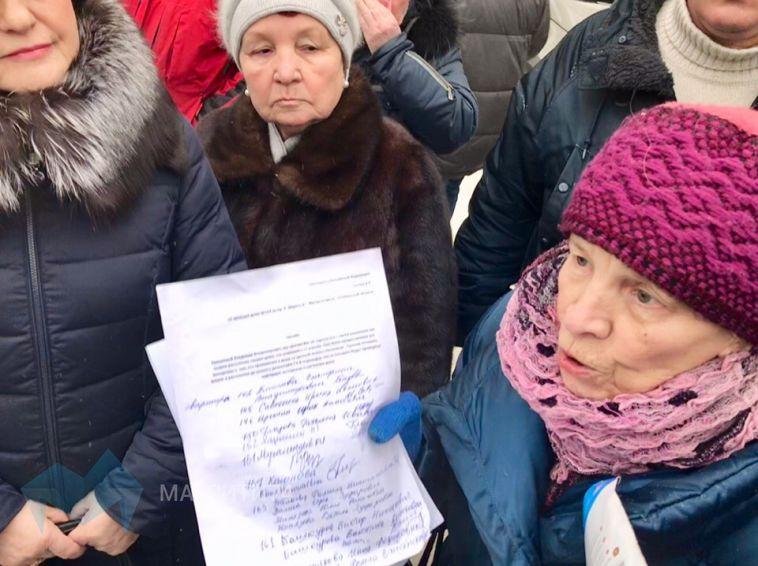 Жильцы злополучного дома собирают подписи против расселения