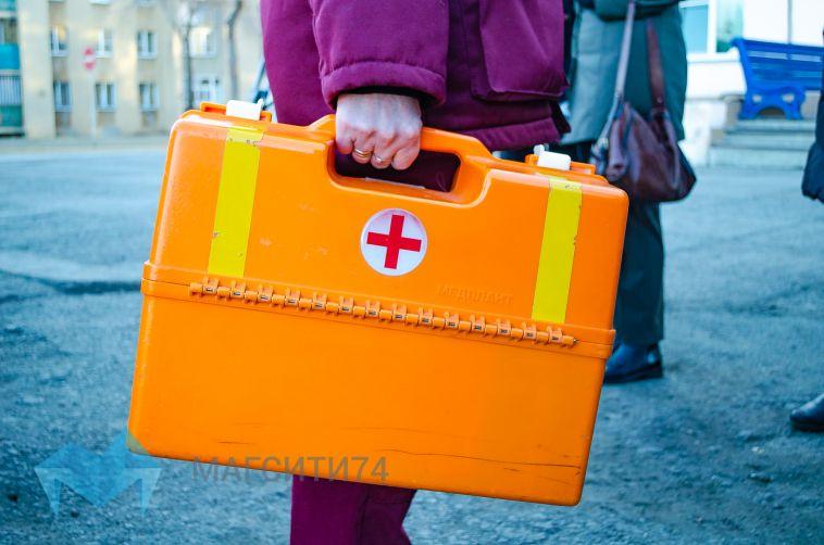 В Магнитогорске женщина упала с шестого этажа