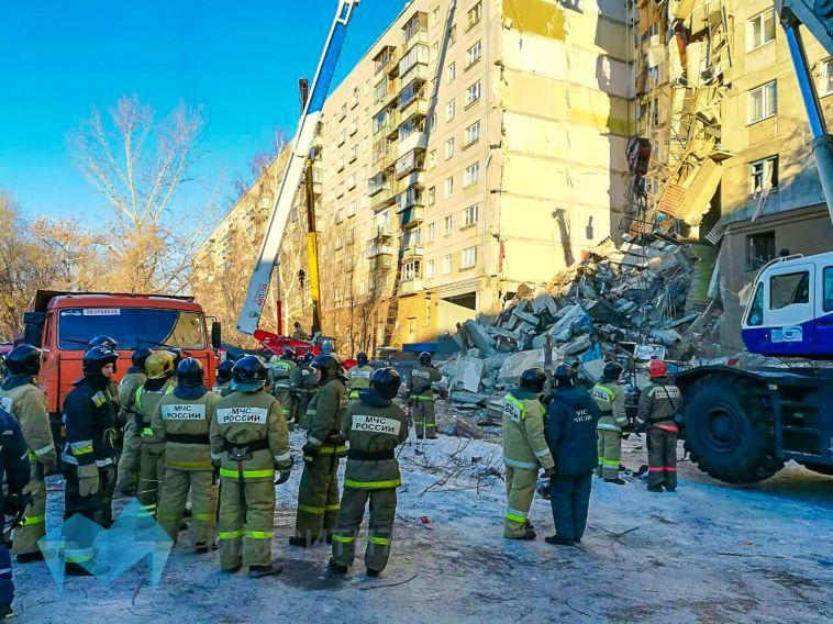 Спасатели рассказали о первых часах работы на завалах