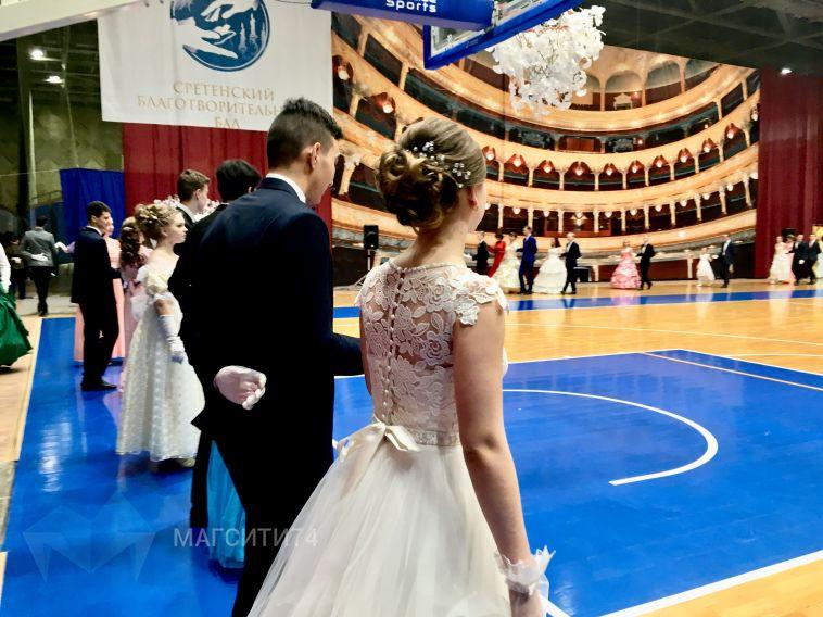 От полонеза до танго: в городе прошел Сретенский благотворительный бал