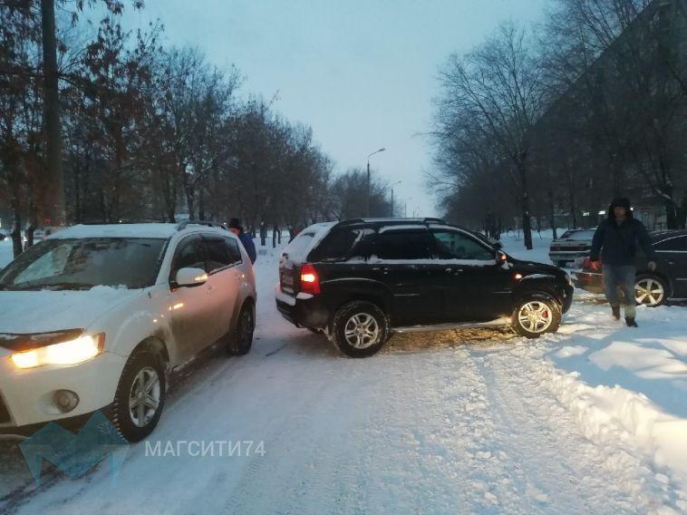 Из-за аварии в городе перекрыта дорога