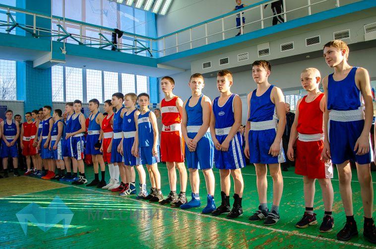 Стартовало первенство Урала по боксу среди юношей