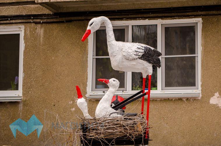 Супруги из Магнитогорска превратили палисадник в сказочный уголок