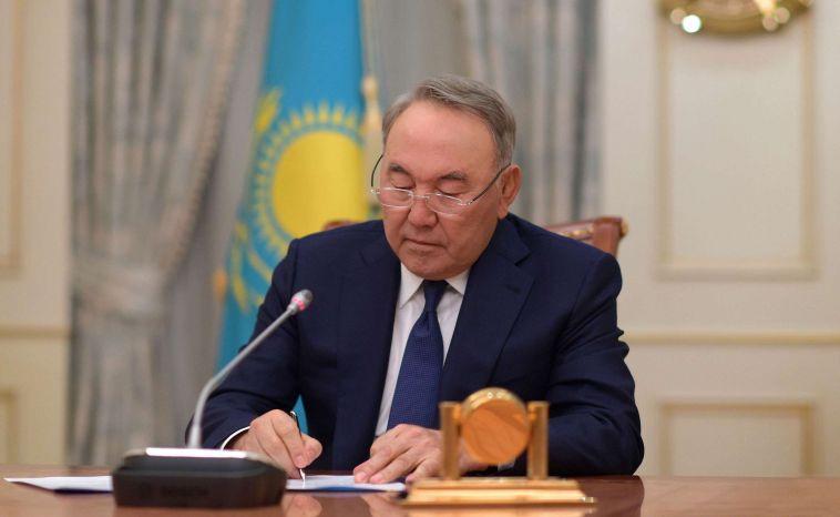 Президент Казахстана объявил о своей отставке