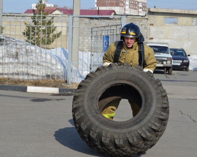 В городе впервые прошли соревнования по пожарному кроссфиту